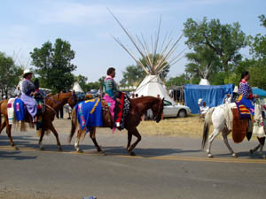 Crow women parading 2003
